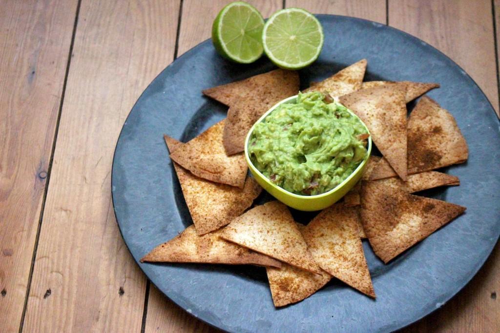 kokerellen nacho's met guacamole